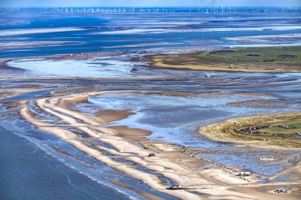 Sankt Peter-Ording from the bird's eye view: Beach landscape on the North Sea coast in the district Sankt Peter-Ording in Sankt Peter-Ording in the state Schleswig-Holstein