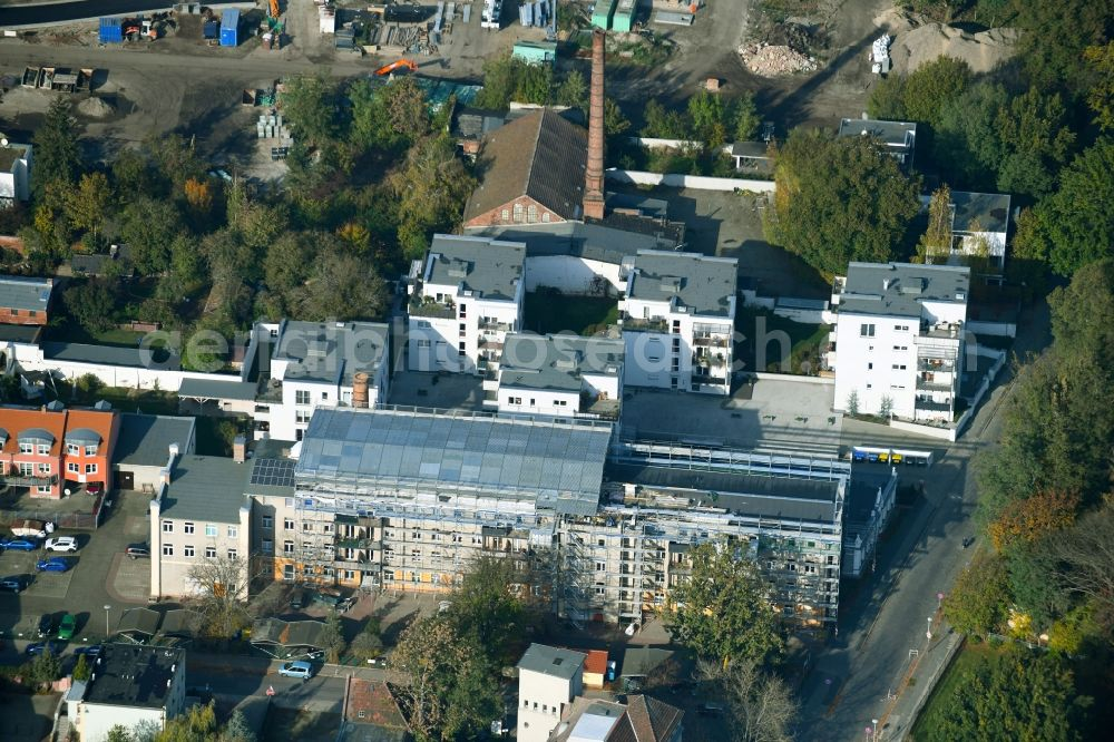 Cottbus from the bird's eye view: Construction site Tourist attraction of the historic monument of an apartment building on Wasserstrasse in Cottbus in the state Brandenburg, Germany. Further information at: Sternbau GmbH.