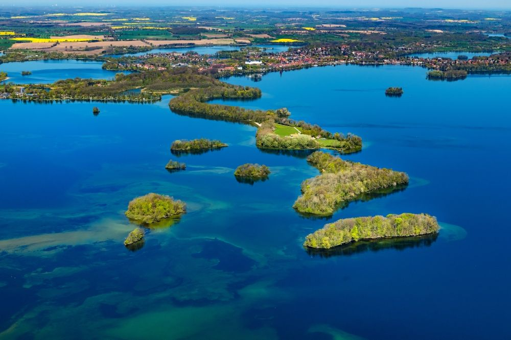 Aerial image Plön - Lake Island on the Grossen Ploener See in Ploen in the state Schleswig-Holstein