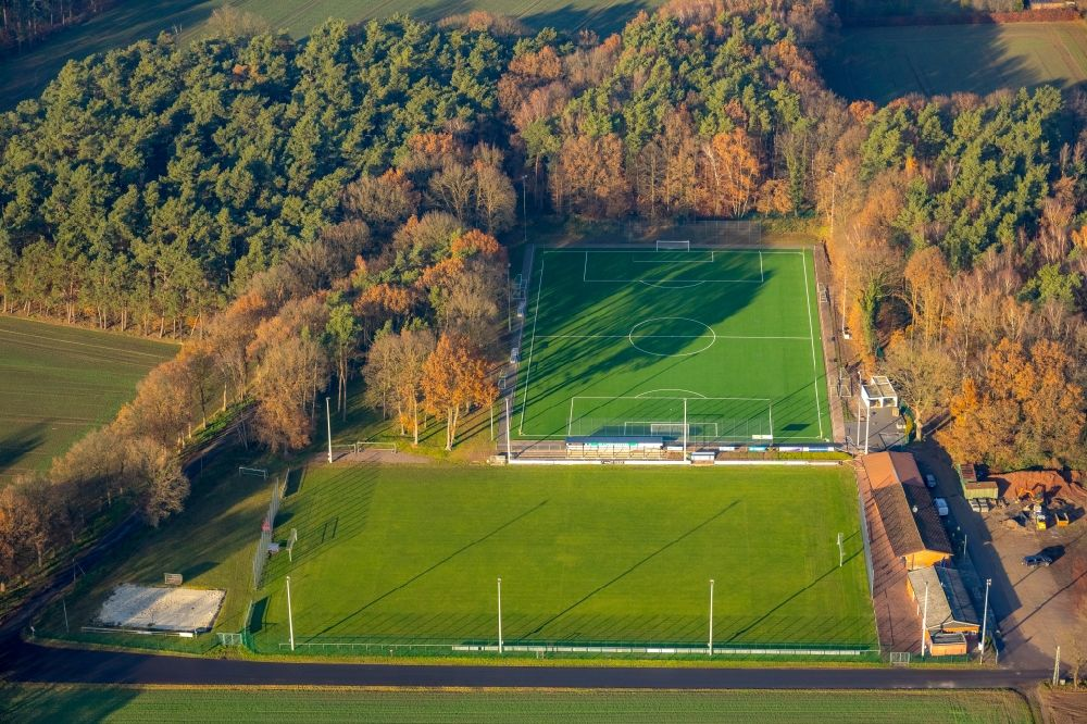 Aerial image Haltern am See - Sports grounds and football pitch on Jahnstrasse in Haltern am See in the state North Rhine-Westphalia, Germany