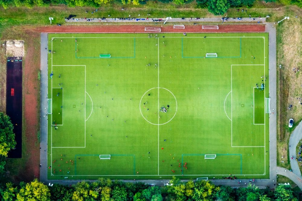 Aerial image Bochum - Sports grounds and football pitch of Sportgemeinschaft 09 Wattenscheid e. V. in the district Wattenscheid in Bochum in the state North Rhine-Westphalia, Germany