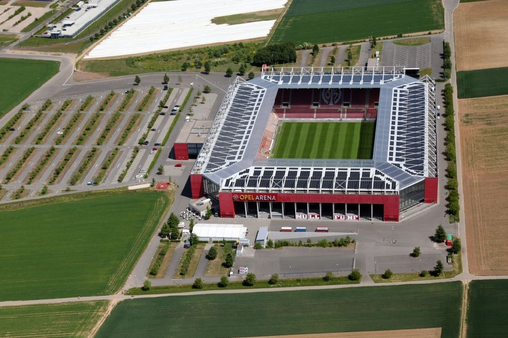 Mainz from the bird's eye view: Sports facility grounds of the arena of the stadium OPEL ARENA (former name Coface Arena) on Eugen-Salomon-Strasse in Mainz in the state Rhineland-Palatinate, Germany