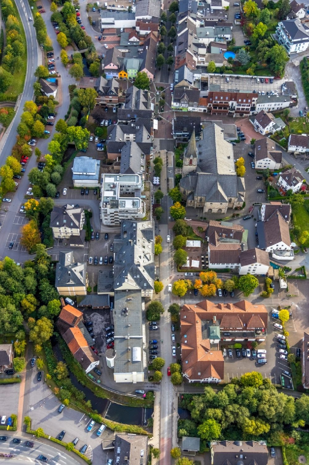 Sundern (Sauerland) from the bird's eye view: City view on down town on Hauptstrasse in Sundern (Sauerland) in the state North Rhine-Westphalia, Germany
