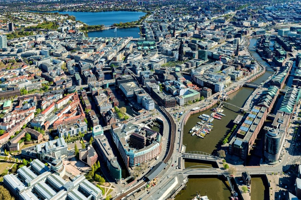 Aerial image Hamburg - City center in the downtown area on the banks of river course Elbe in Hamburg, Germany