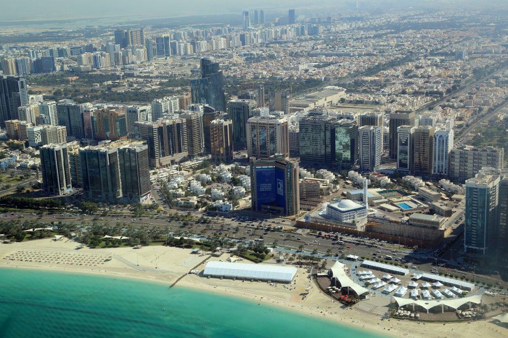 Aerial photograph Abu Dhabi - City center with the skyline
