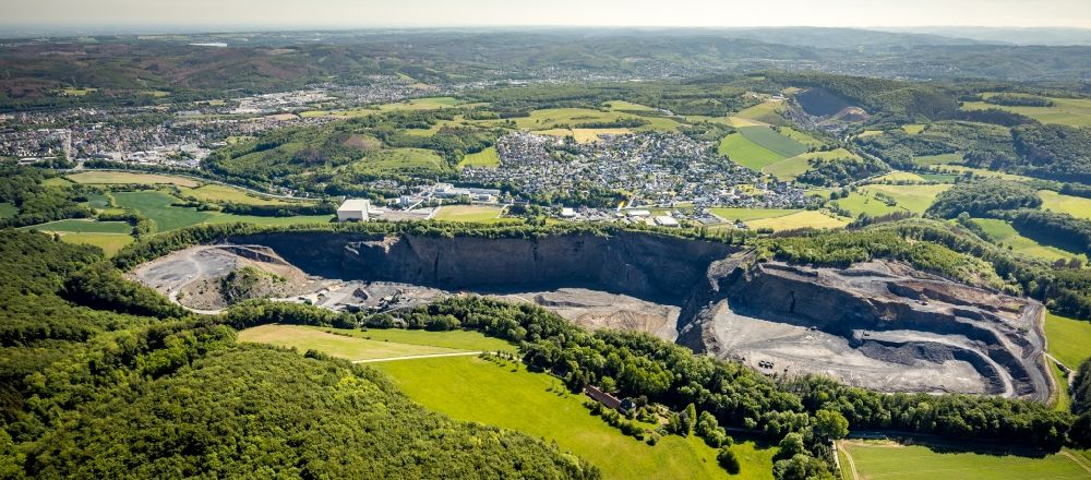 Aerial photograph Arnsberg - Quarry for the mining and handling of limestone in the district Mueschede in Arnsberg in the state North Rhine-Westphalia, Germany