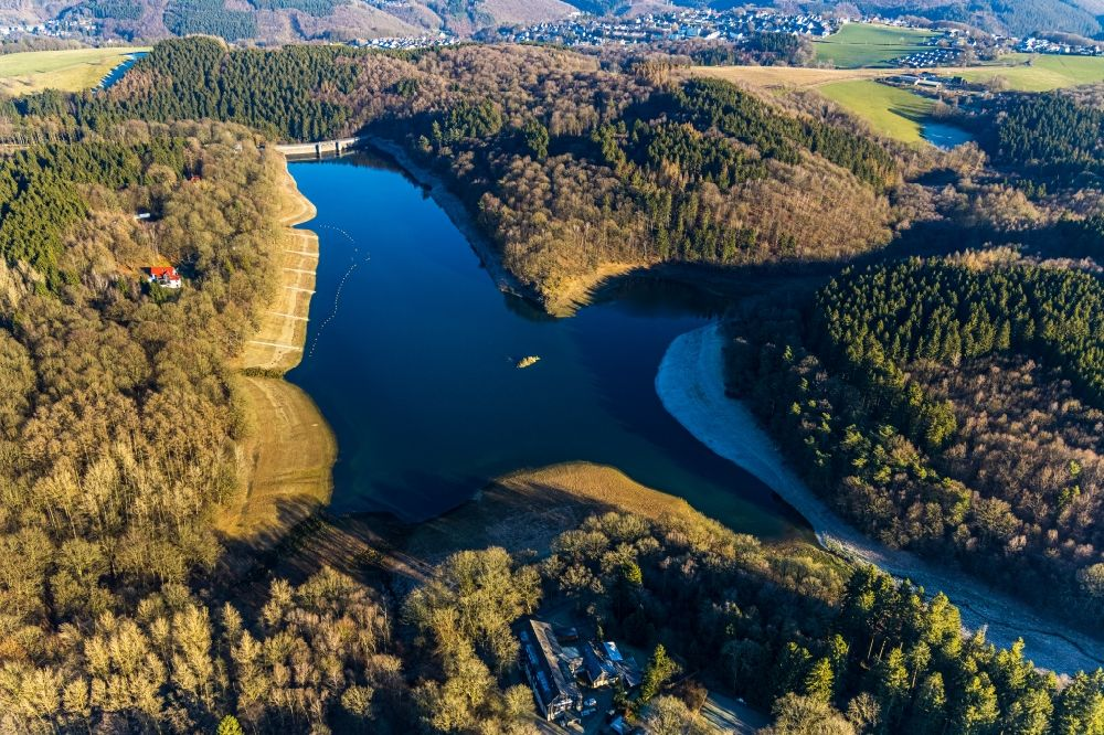 Aerial image Breckerfeld - Dam and shore areas at the lake on Gloertalsperre in Breckerfeld in the state North Rhine-Westphalia, Germany