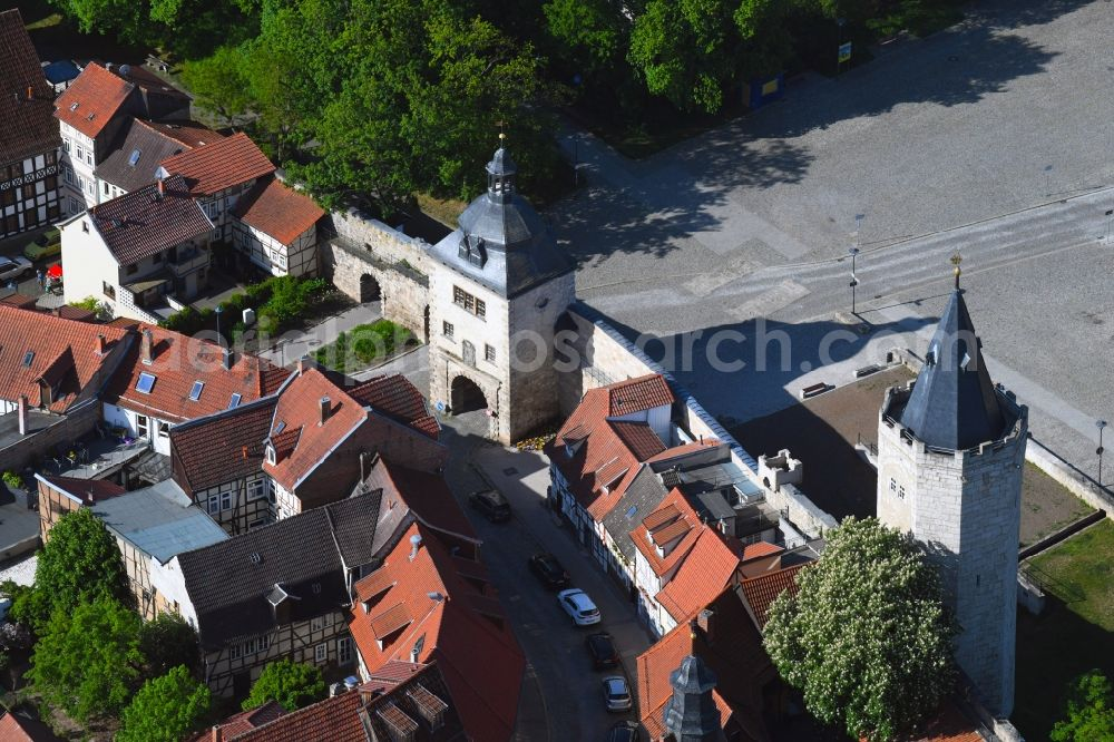 Aerial image Mühlhausen - Tower building and on Frauentor the rest of the former historic city walls in Muehlhausen in the state Thuringia, Germany