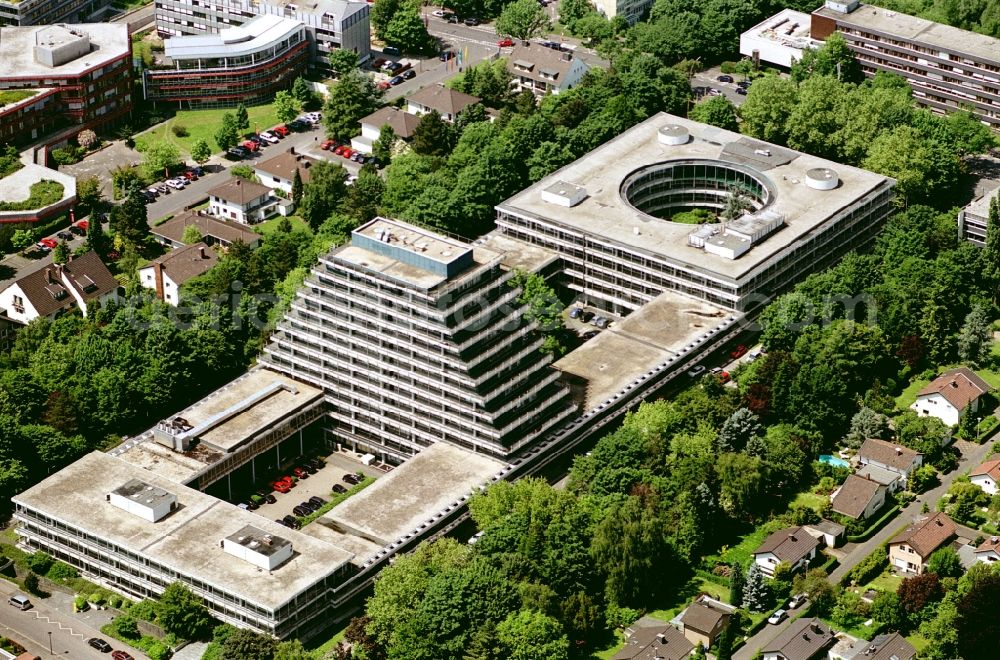Bonn from the bird's eye view: Banking administration building of the financial services company Postbank Leasing GmbH on Kennedyallee in the district Plittersdorf in Bonn in the state North Rhine-Westphalia, Germany