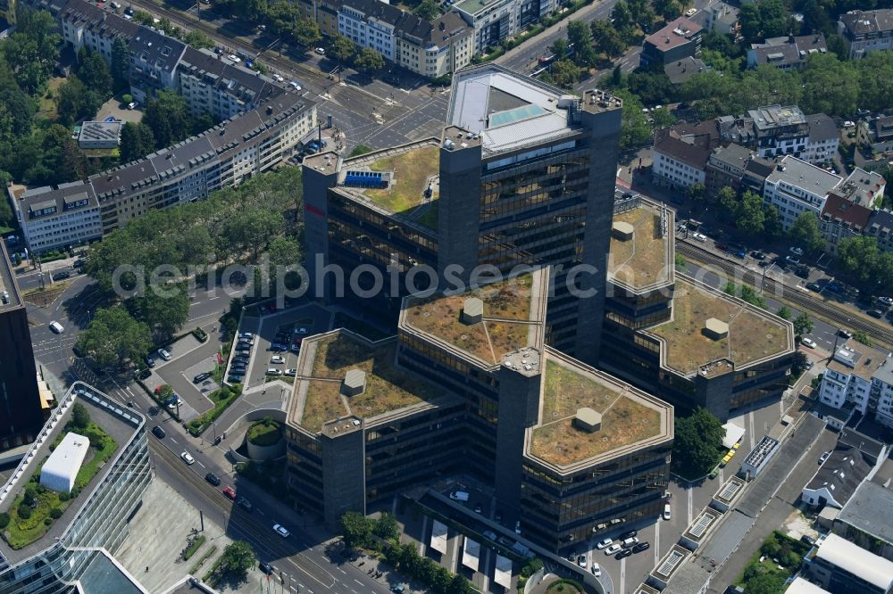 Köln from the bird's eye view: Office and administration buildings of the insurance company of DKV AG on Aachener Strasse in the district Braunsfeld in Cologne in the state North Rhine-Westphalia, Germany. Further information at: DKV Deutsche Krankenversicherung AG, ERGO Group AG.