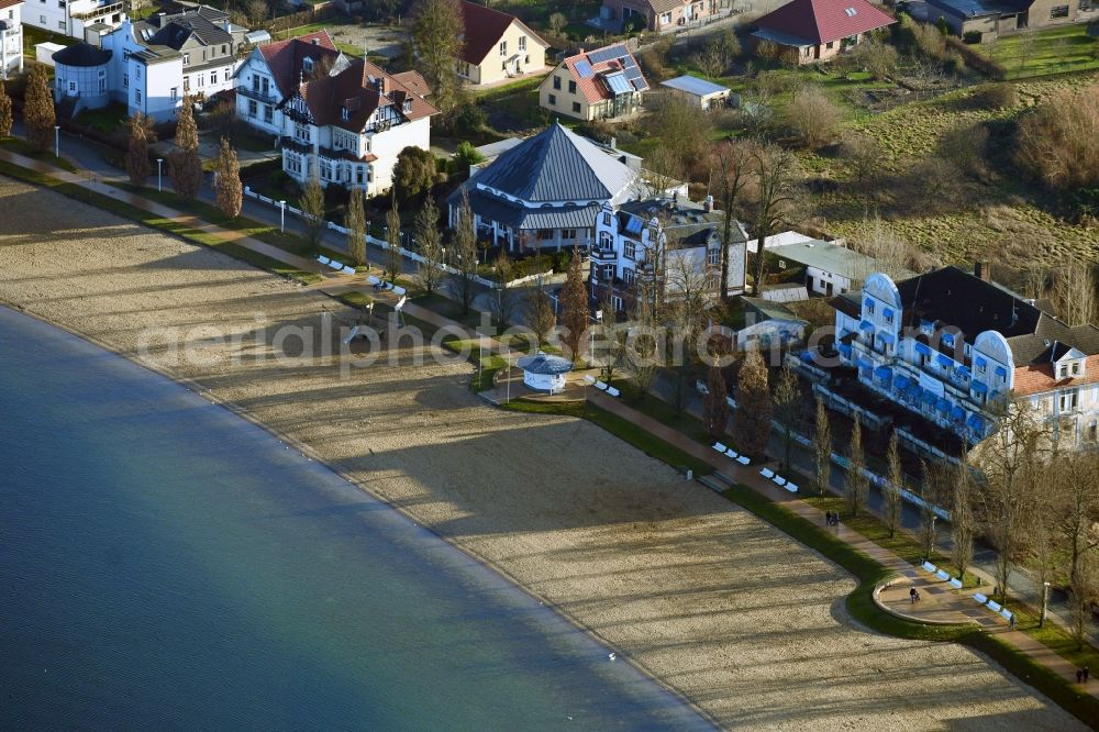 Schwerin from above - Luxury villa in residential area of single-family settlement Am Strand in the district Zippendorf in Schwerin in the state Mecklenburg - Western Pomerania, Germany