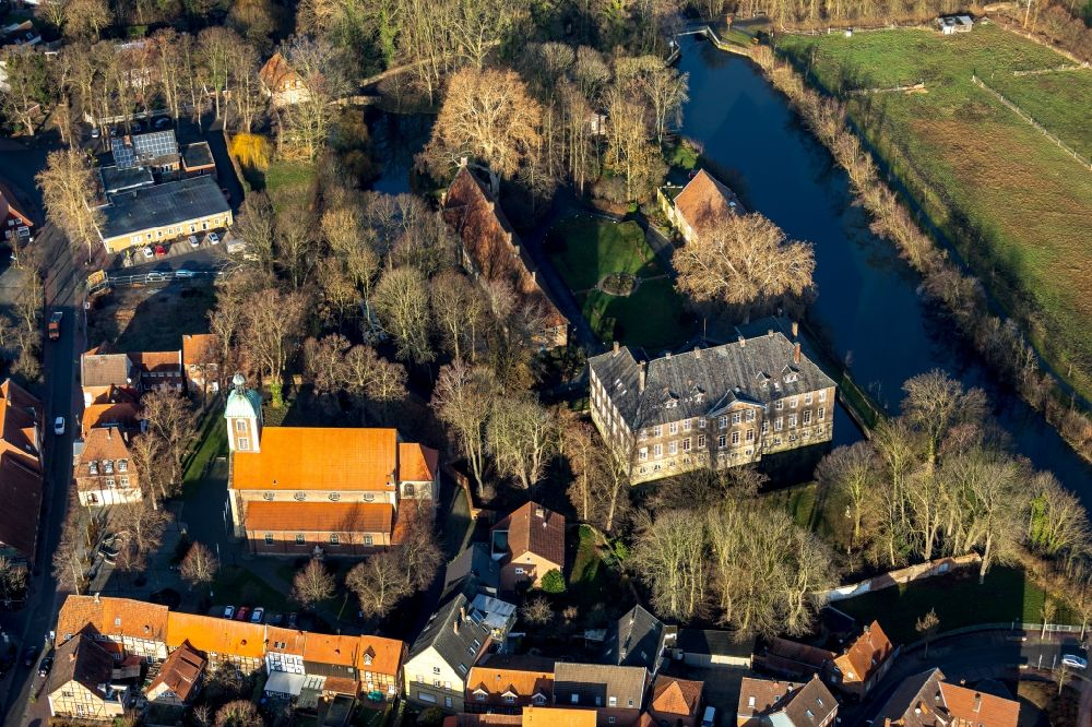 Drensteinfurt from above - Building and castle park systems of water castle Haus Steinfurt in Drensteinfurt in the state North Rhine-Westphalia, Germany.