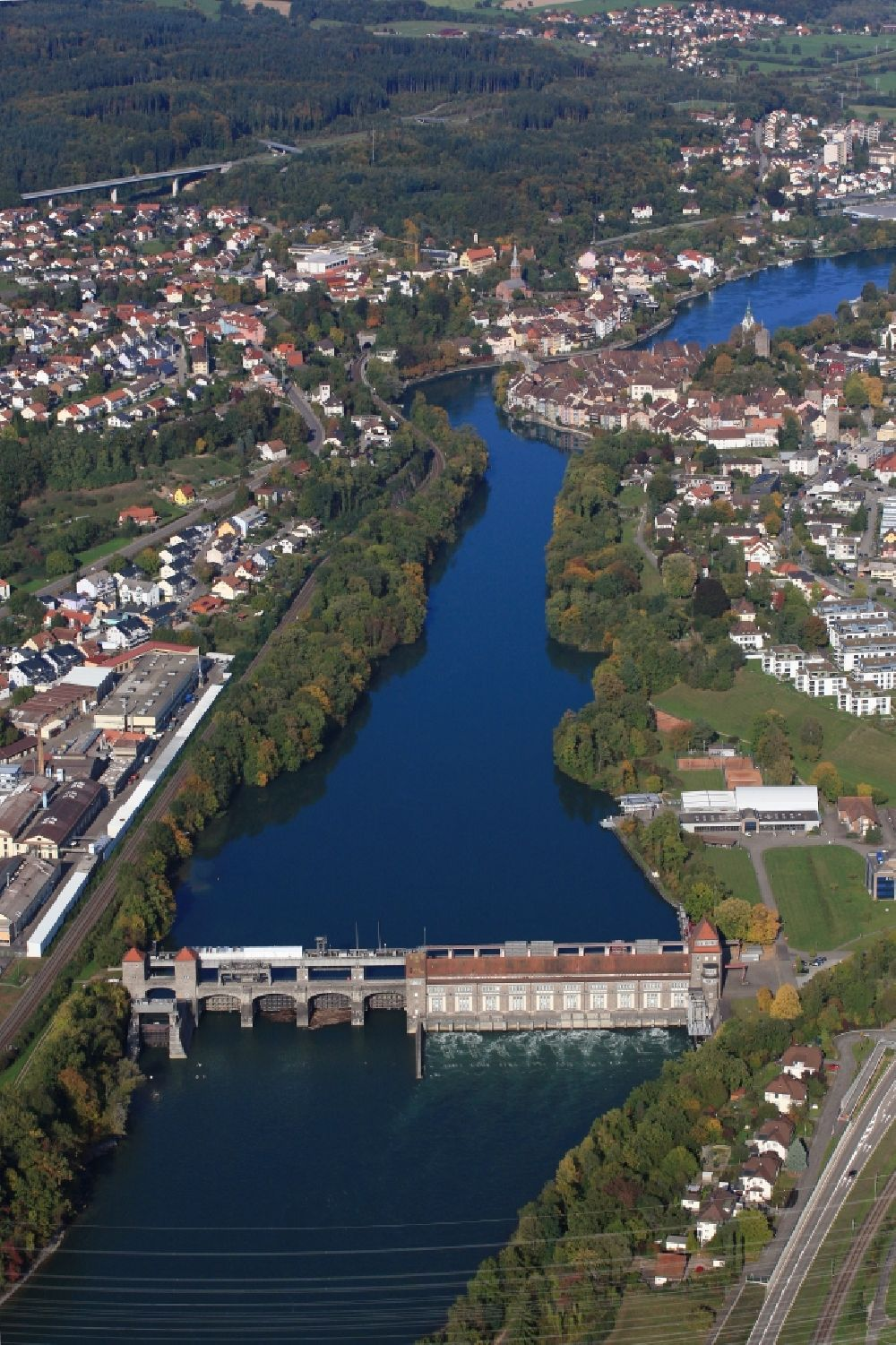 Laufenburg from the bird's eye view: Structure and dams of the hydroelectric power plant at the Rhine river in Laufenburg in the state Baden-Wurttemberg, Germany.