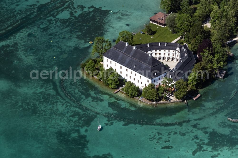 Aerial image Schörfling am Attersee - Building and castle park systems of water castle Kammer in Schoerfling am Attersee in Oberoesterreich, Austria.