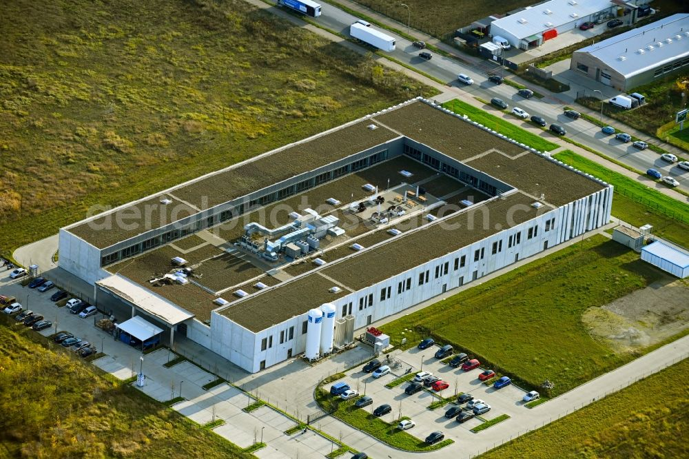 Aerial image Berlin - Building and production halls on the premises of Swissbit Germany AG in CleanTech Business Park in the district Marzahn in Berlin, Germany