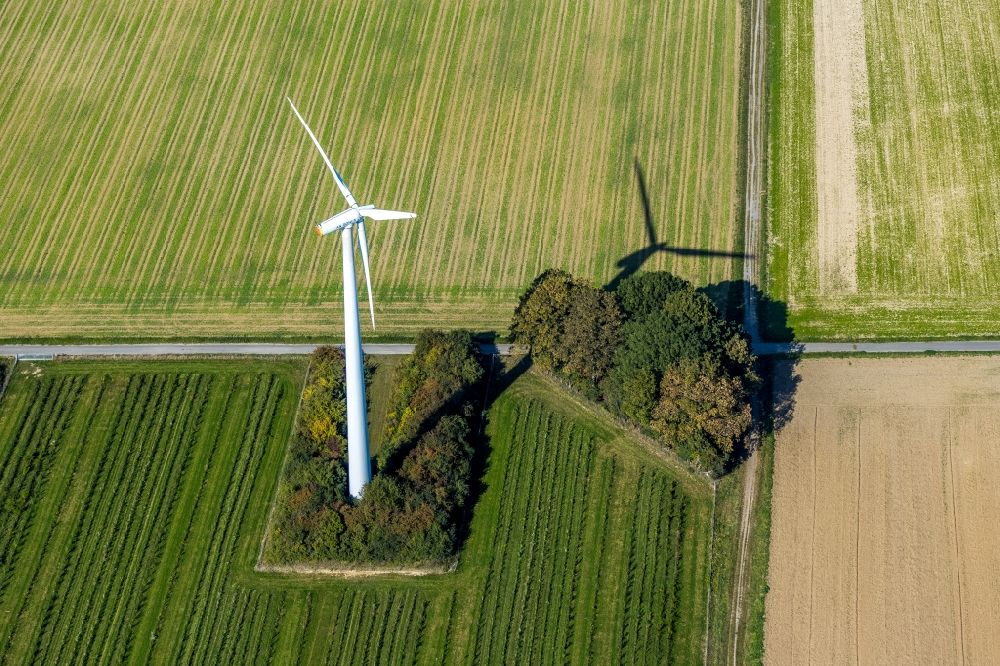 Aerial photograph Unna - Wind turbine windmills on a field Am Predigtstuhl in Unna in the state North Rhine-Westphalia, Germany