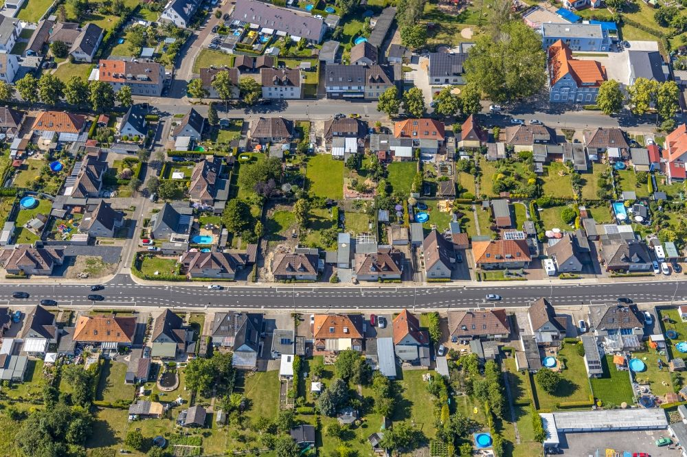 Hamm from the bird's eye view: Single-family residential area of settlement between Am Haemmschen and Bockelweg in the district Heessen in Hamm in the state North Rhine-Westphalia, Germany