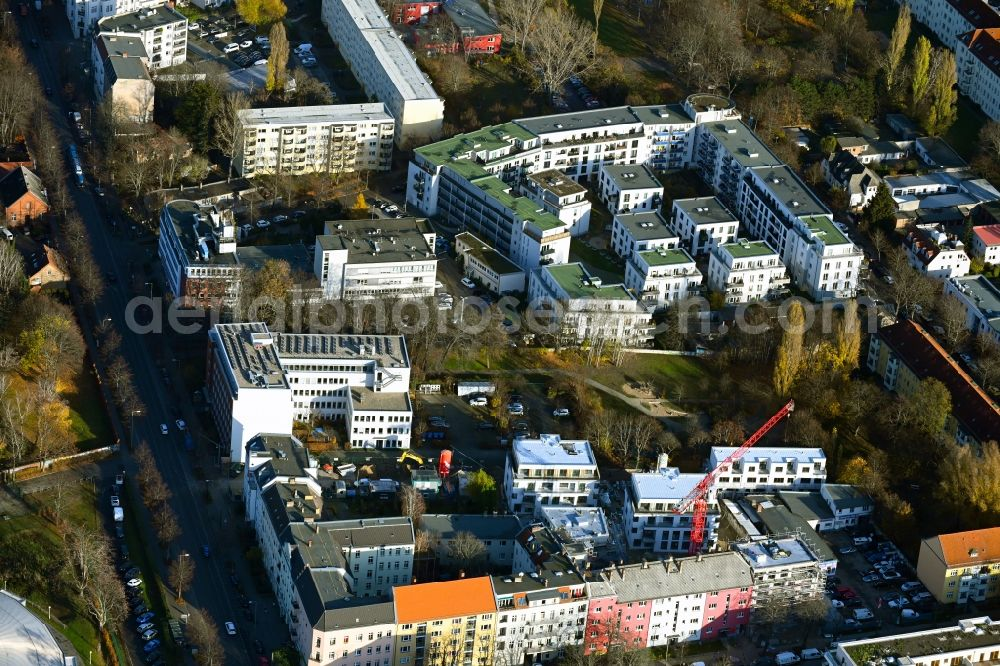 Aerial image Berlin - Residential area of the multi-family house settlement Reichenberger Strasse - Kuestriner Strasse in the district Hohenschoenhausen in Berlin, Germany