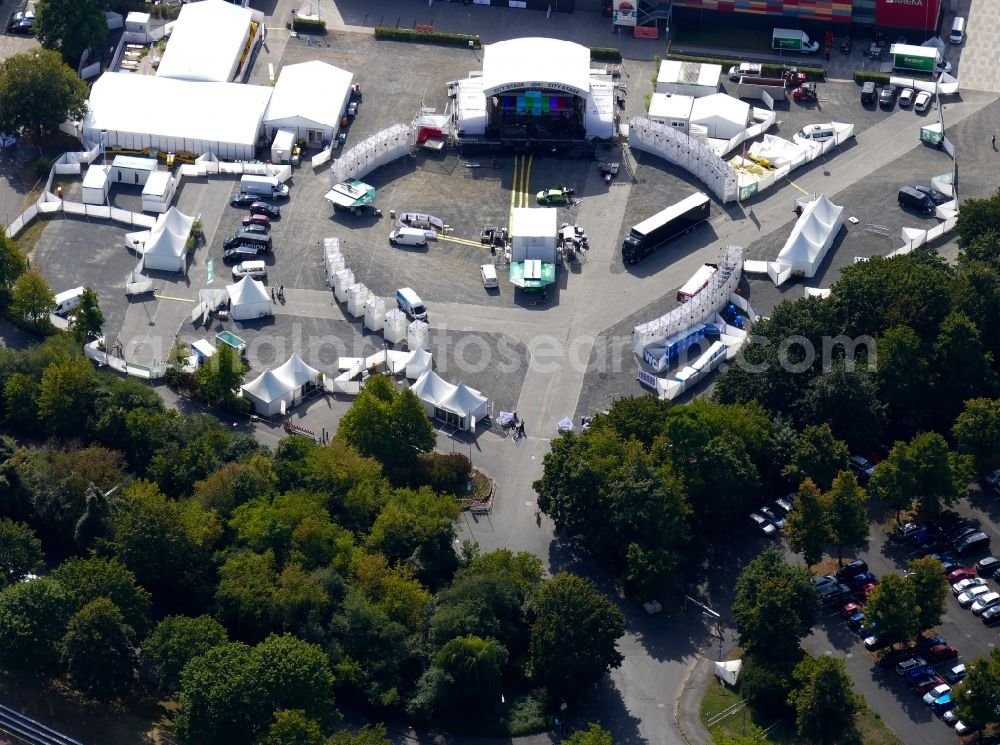 Aerial image Göttingen - Tent and stage construction and assembly at the NDR 2 Soundcheck Neue Musik Festival venue in Goettingen in the state Lower Saxony, Germany.