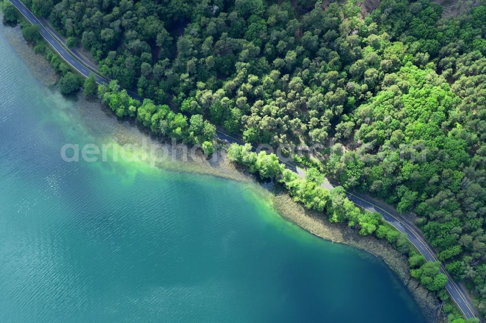Vertical aerial photograph Joachimsthal - Vertical aerial view from the satellite perspective of the riparian areas on the lake area Werbellinsee of along the Landesstrasse L220 in a forest area in Joachimsthal in the state Brandenburg, Germany