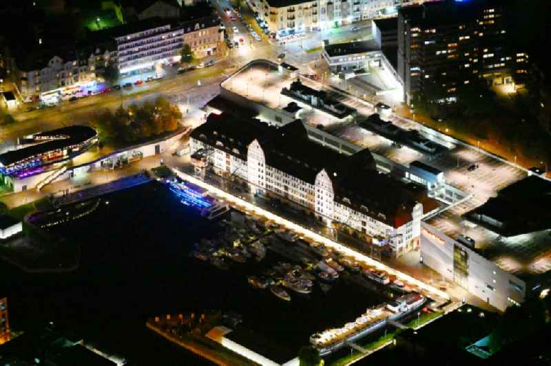 Night image with a view of the shopping mall 'Tempelhofer Hafen' on Tempelhofer Damm in the district of Tempelhof in Berlin