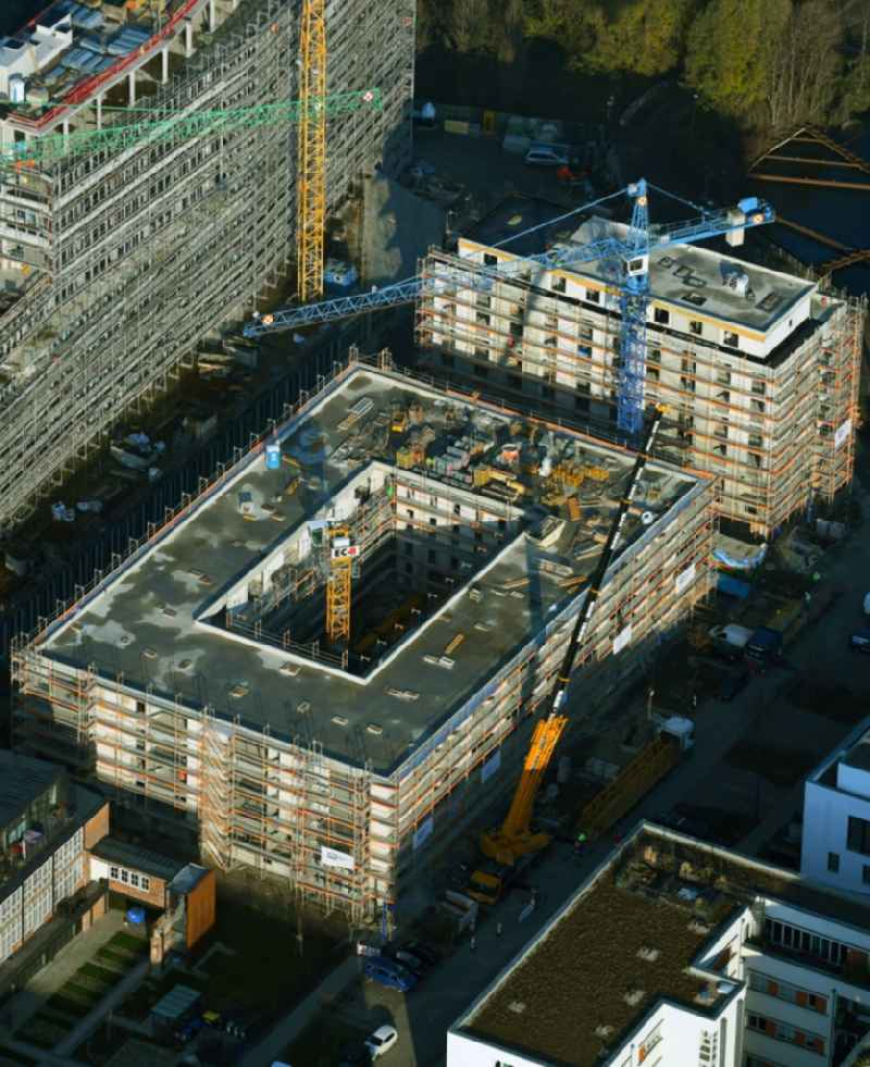 Construction site for the multi-family residential building on Glasblaeserallee in the district Friedrichshain in Berlin, Germany. Further information at: HOWOGE Wohnungsbaugesellschaft mbH,  Willi Meyer Bauunternehmen GmbH,  ZOOMARCHITEKTEN GmbH.