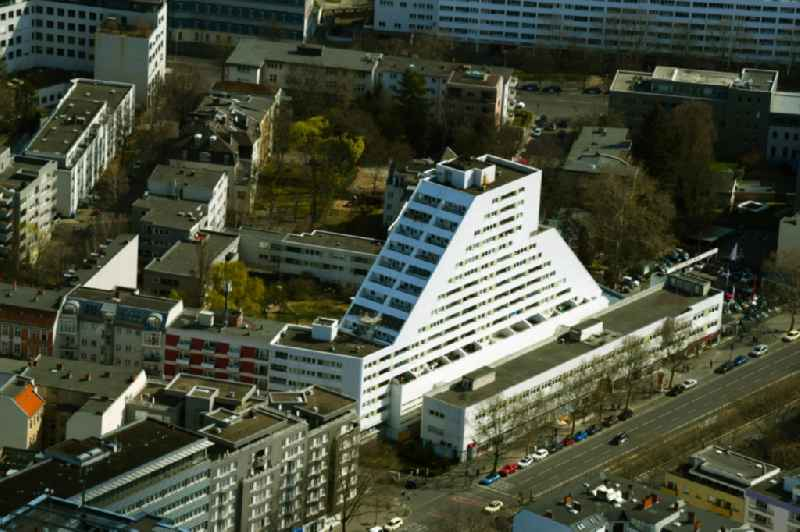 High-rise building in the residential area on Kleiststrasse overlooking the 'Berolina Bowling Lounge' in the district Schoeneberg in Berlin, Germany