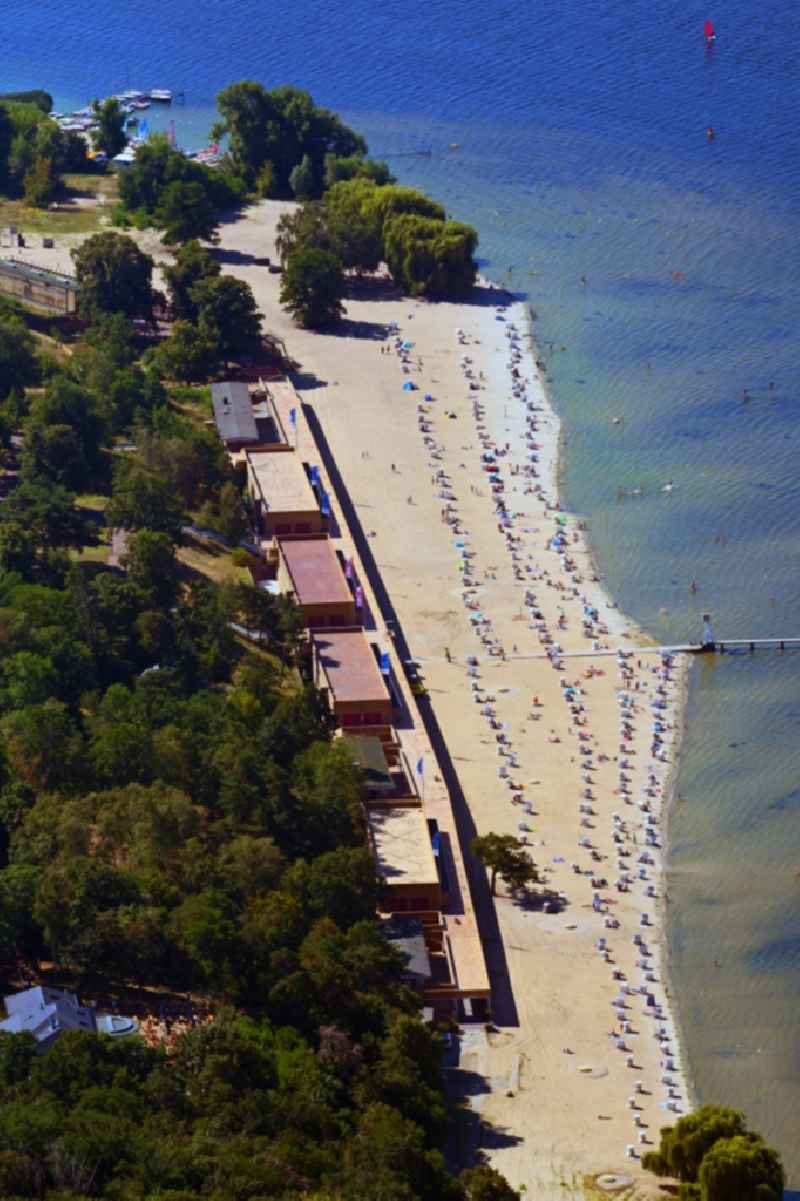 Sandy beach areas on the lake 'Grosser Wannsee' in the district Nikolassee in Berlin, Germany
