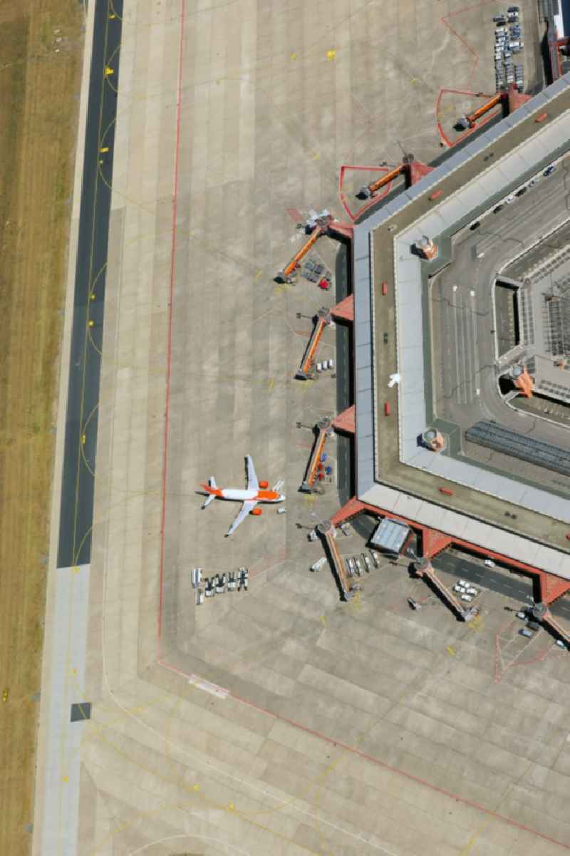 Flight operations at the terminal of the airport Berlin - Tegel