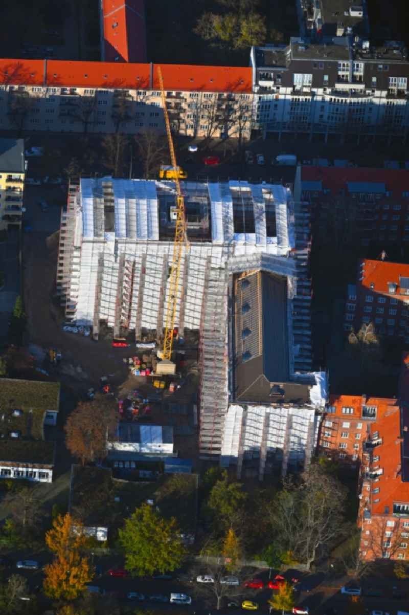 New construction site of the school building ' Luise-Henriette-Gymnasium ' on Germaniastrasse - Goetzstrasse in the district Tempelhof in Berlin, Germany
