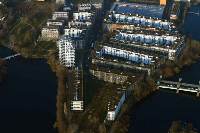 Settlement at the river Havel on Havelspitze - Hugo-Cassirer-Strasse in the district Hakenfelde in Berlin, Germany