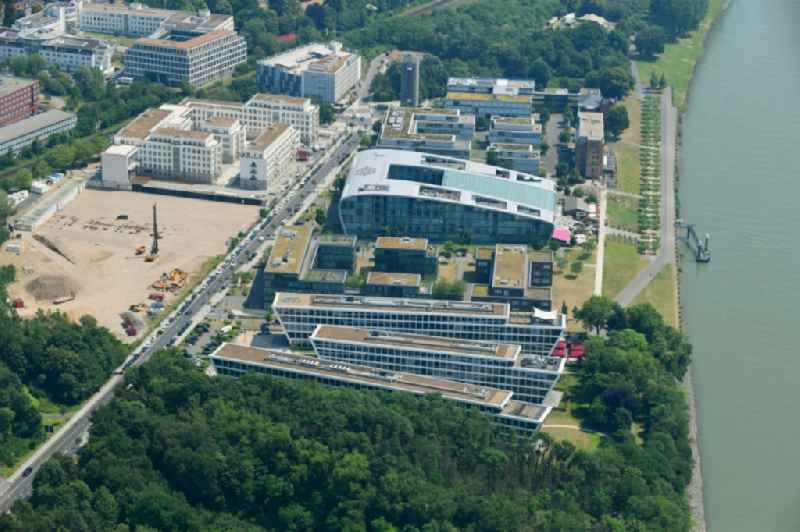 Campus building of the University of Applied Sciences FOM Hochschule Hochschulzentrum Bonn on Joseph-Schumpeter-Allee in the district Beuel in Bonn in the state North Rhine-Westphalia, Germany