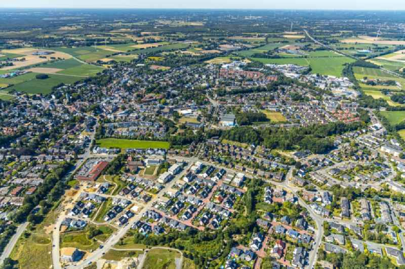 Construction sites for new construction residential, Schultenkamp, a single-family settlement on Kirchhellener ring and Hack Furth Road overlooking the outskirts in Bottrop in North Rhine-Westphalia
