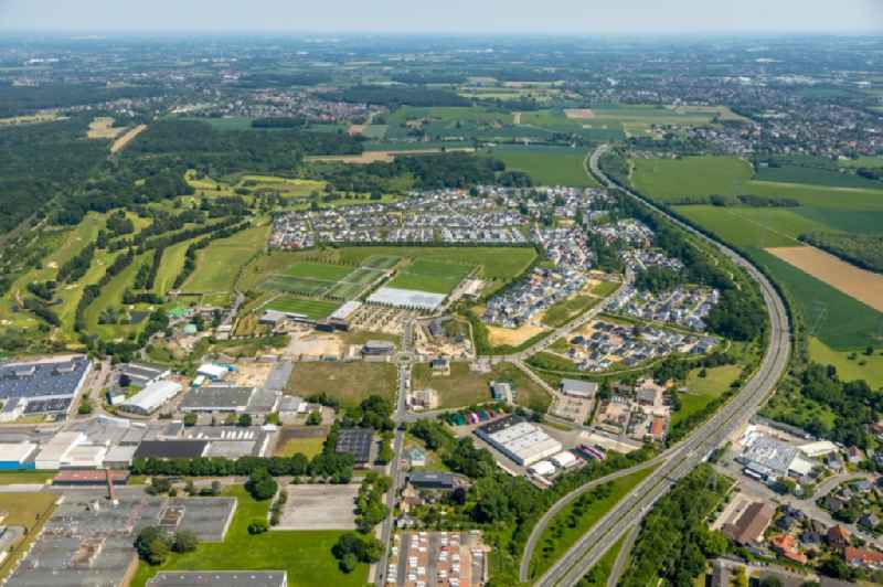 Single-family residential area of settlement Hohenbuschei on Elisabeth-Selbert-Bogen in the district Brackel in Dortmund in the state North Rhine-Westphalia, Germany