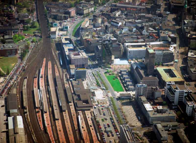 Track progress and building of the main station of the railway in Dortmund in the state North Rhine-Westphalia, Germany. Further information at: DB Netz AG,  Deutsche Bahn AG.