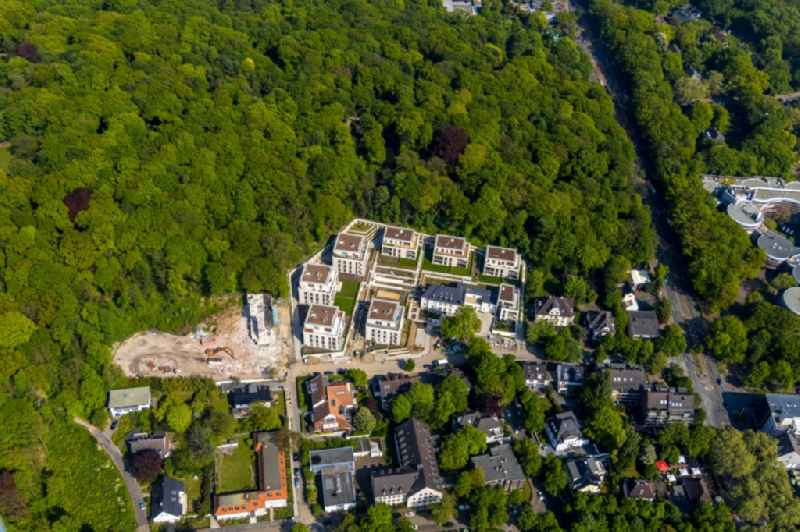 Construction site to build a new multi-family residential complex of QUARTIER WILHELMSHOeHE GmbH in the district Duissern in Duisburg in the state North Rhine-Westphalia