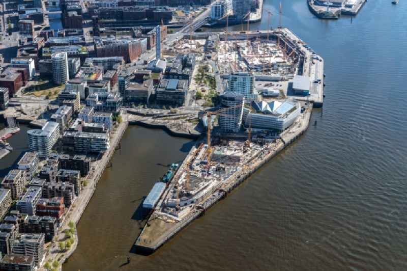 Construction site to build a new multi-family residential complex of ' DC DEVELOPMENTS GMBH & CO. KG ' on Strandkai in the district HafenCity in Hamburg, Germany