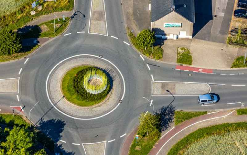 Traffic management of the roundabout road Frielicker Weg - Vogelstrasse - Ahlener Strasse in the district Heessen in Hamm in the state North Rhine-Westphalia, Germany