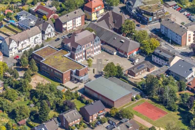 School building of the 'Overbergschule' on Overbergstrasse in the district Bockum-Hoevel in Hamm in the state North Rhine-Westphalia, Germany