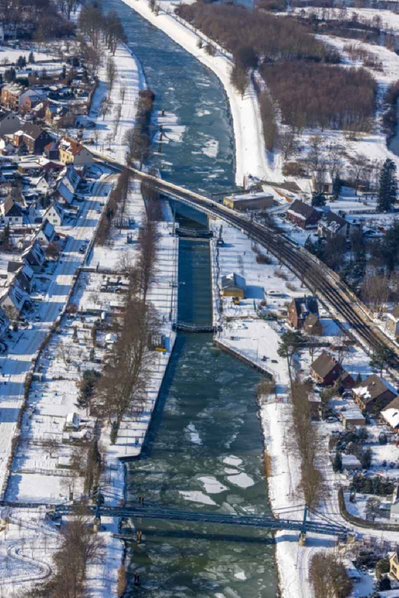 Wintry snowy barrage lock system 'Schleuse Werries' on the Datteln-Hamm Canal in Hamm in the Ruhr area in the state North Rhine-Westphalia, Germany