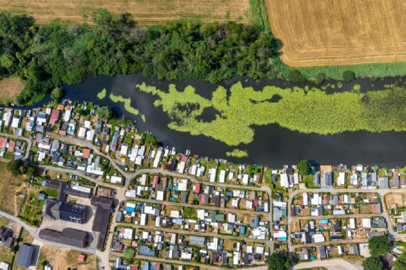 Camping with caravans and tents in Hamminkeln in the state North Rhine-Westphalia, Germany. Further information at: Campingplatz Hagener Meer.