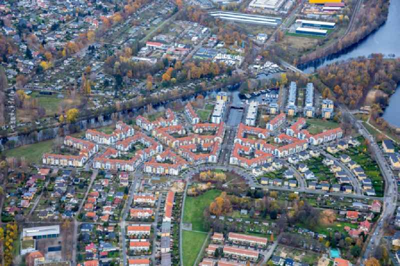 Residential area of the multi-family house settlement Ahornring, Lindenring, Ringpromenade in Hennigsdorf in the state Brandenburg, Germany