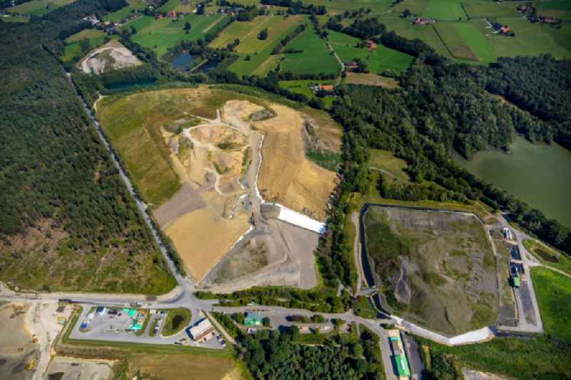 Renovation, sealing and restoration work on the site of the refurbished landfill in Huenxe in the state North Rhine-Westphalia, Germany. Further information at: AGR Abfallentsorgungs-Gesellschaft Ruhrgebiet mbH.