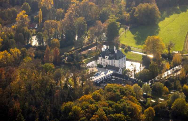 Building and castle park systems of water, castle Gartrop in Huenxe in the state North Rhine-Westphalia, Germany
