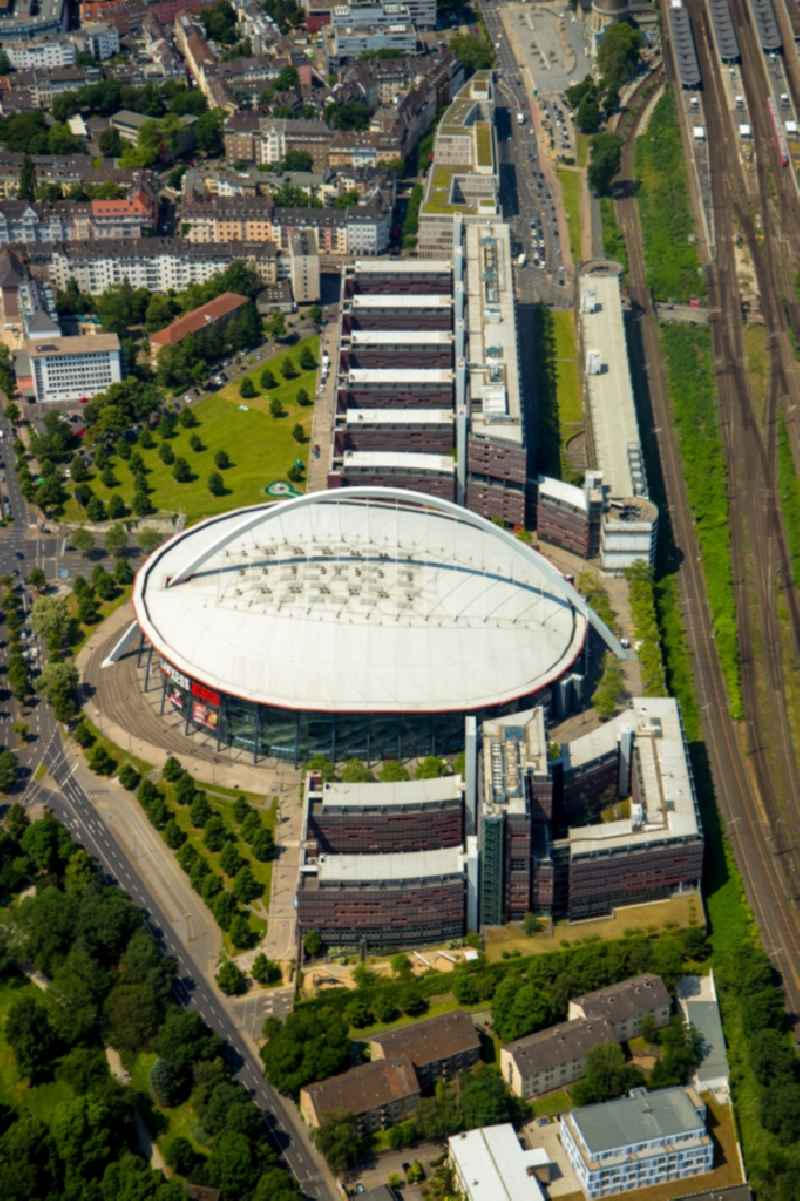 Event and music-concert grounds of the Arena ' Lanxess Arena ' on Willy-Brandt-Platz in Cologne in the state North Rhine-Westphalia, Germany. Further information at: ARCHITEKTURBUeRO  PAUL BOeHM,  ARENA Management GmbH,  LANXESS AG.