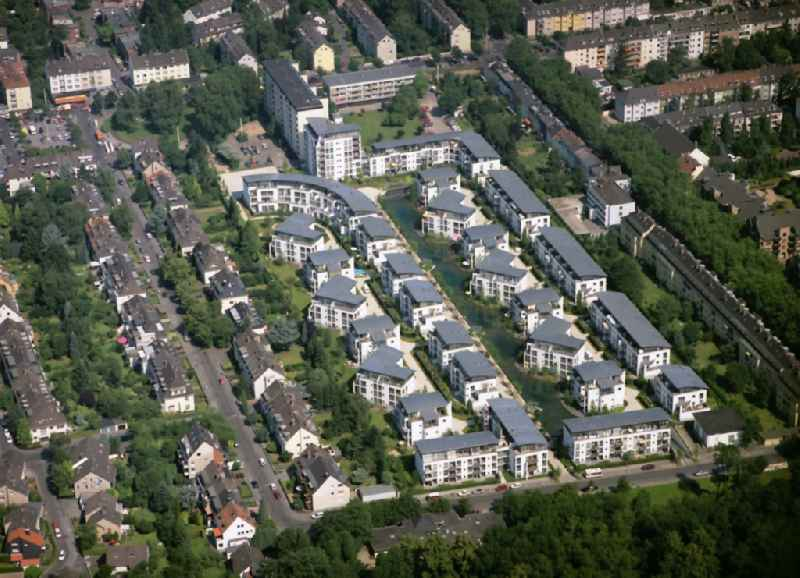 Residential area of a multi-family house settlement Am Beethovenpark in the district Suelz in Cologne in the state North Rhine-Westphalia, Germany
