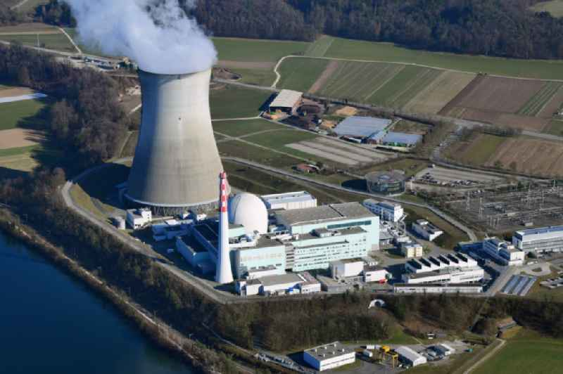 Reactor unit and cooling tower of the NPP nuclear power plant Leibstadt in Leibstadt in the canton Aargau, Switzerland. Further information at: Kernkraftwerk Leibstadt AG.