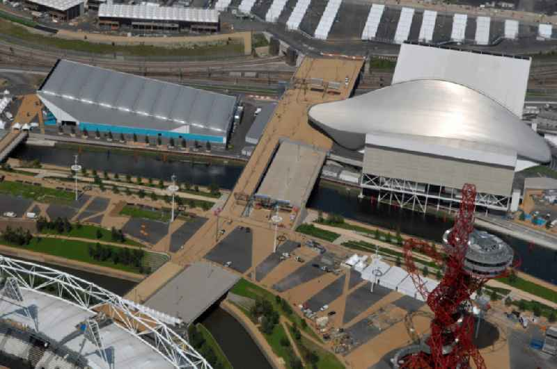 The London Aquatics Centre and the temporary Water Polo Arena are indoor facilitys situated in Olympic Park at Stratford in east London are Olympic and Paralympic venues for the 2012 Games in Great Britain