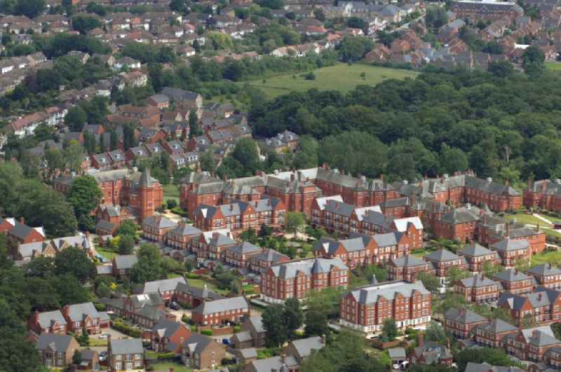 View at the housing estate Repton Park in the district Woodford  of London in the county of Greater London in the UK. Until 1997, the today consists of exclusive condominium residential complex was the psychiatric clinic Claybury Hospital