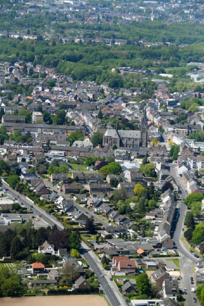 Settlement area in the district Giesenkirchen in Moenchengladbach in the state North Rhine-Westphalia, Germany